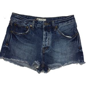 Free People jean shorts raw hem distressed 27